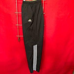Men's Adidas wind pants size XL. A366